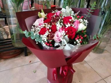 【爱的宝贝】玫瑰经典搭配-花束